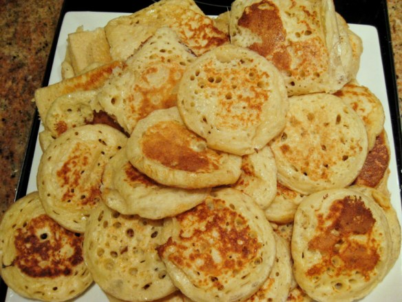 Crumpets made in the Thermomix | becs-table.com.au