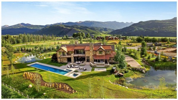 A photo of Byers Court mansion for rental in Colorado