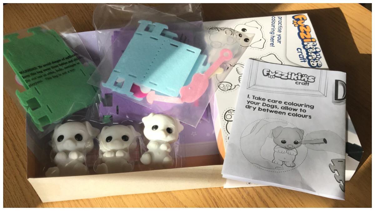 Fuzzikins Crafts Dozy Dogs contents