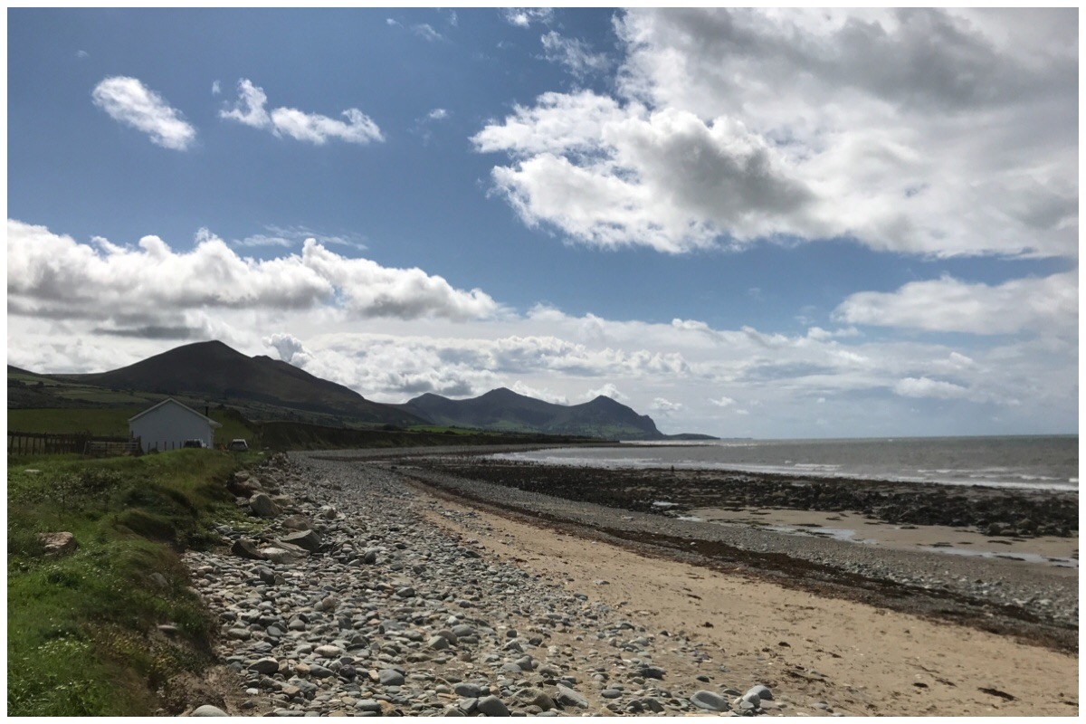 Aberdesach Beach with the Eifl mountains in the background on a beautiful sunny day