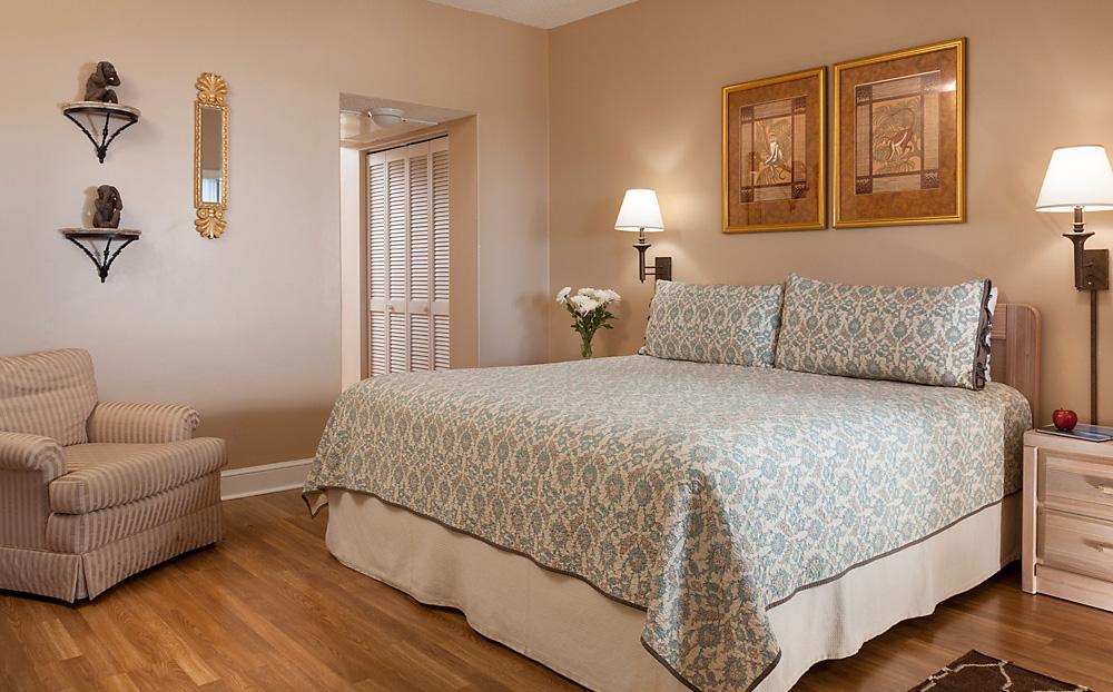 King Bedroom at Harbor 26