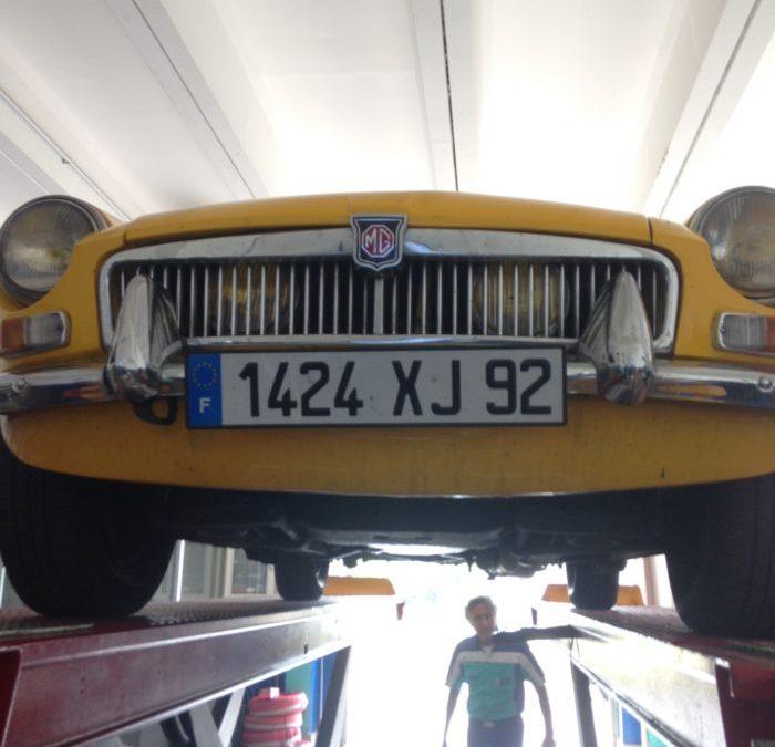 « Carnet de bord » de route : La check list pour voyager en voiture ancienne