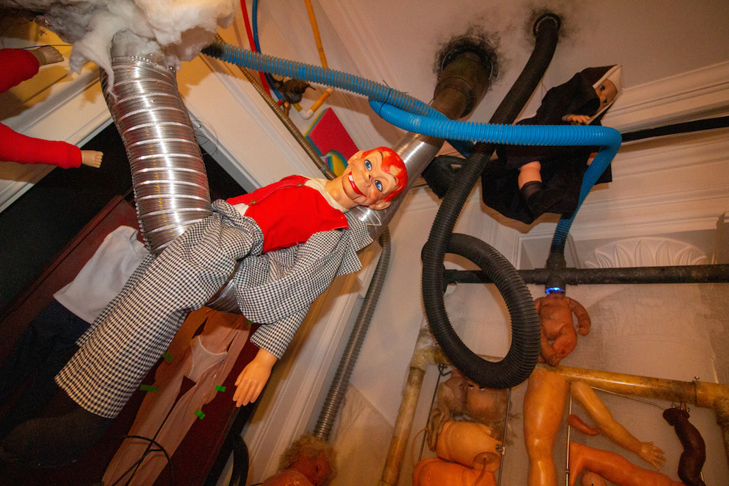 Immerse Yourself in a Bizarre, Interactive 'Explosion of Dolls' in a Chelsea Townhouse - PUNCHLAND 4