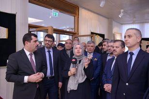 """Diyanet İşleri Türk İslam Birliği'de """"Dualı Gömlekler Sergisi"""" açıldı"""