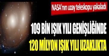NASA'nın uzay teleskopu yakaladı, 109 bin ışık yılı genişliğinde 120 milyon ışık yılı uzaklıkta