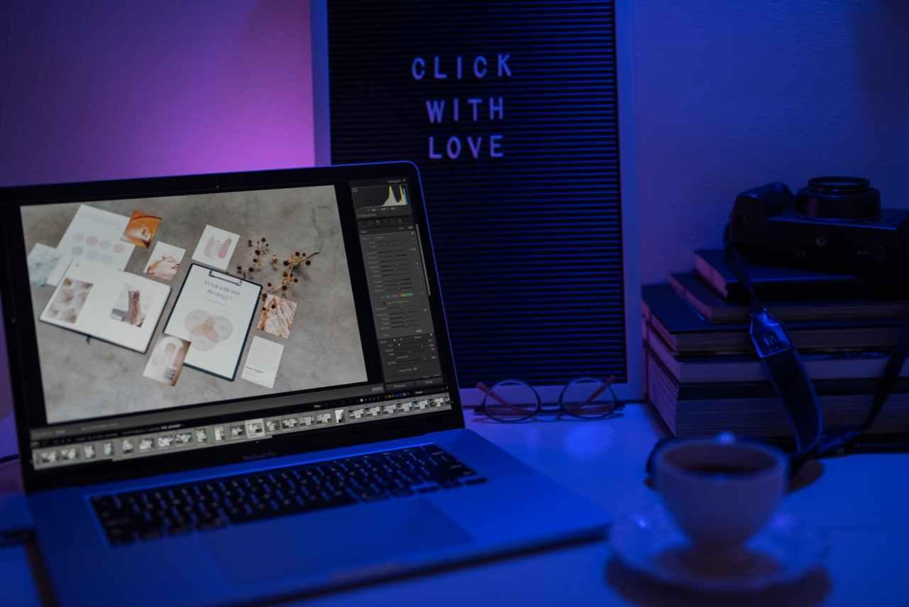 apple desk laptop office