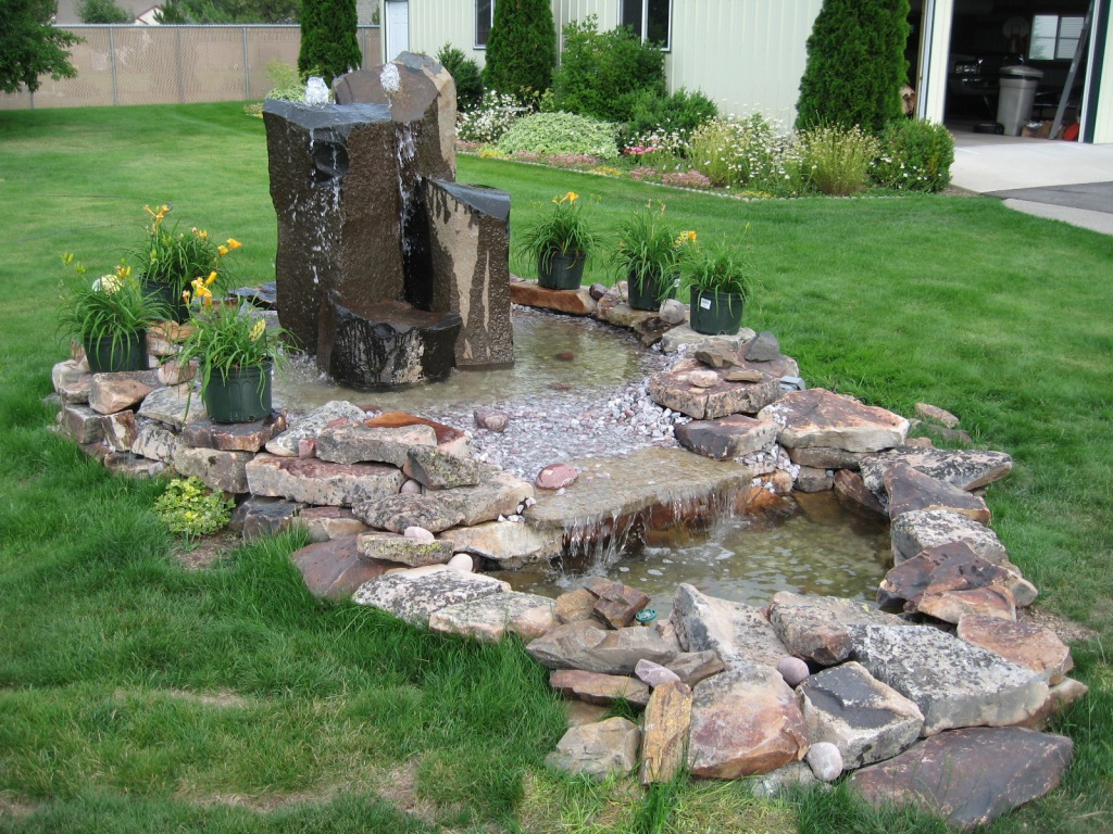 How to Install a Large Water Feature | Bedrocksite's Blog on Small Backyard Water Features id=23856