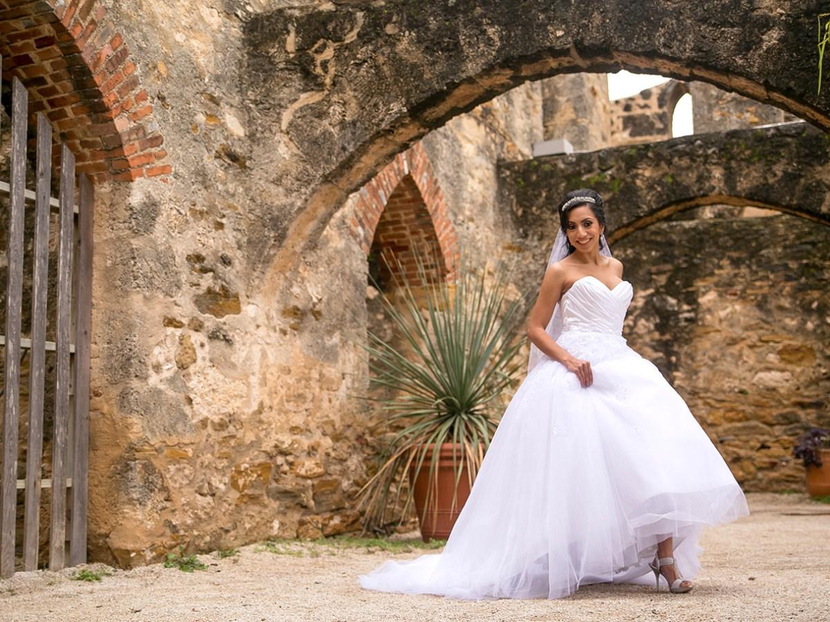san antonio missions bridal photo shoot