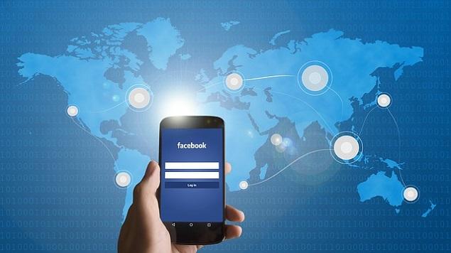 Facebook - Flickr Alternative Photo Sharing Website