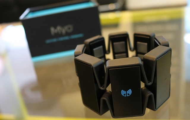 Myo gesture control armband main image with box