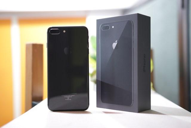 iPhone 8 Plus Design 3