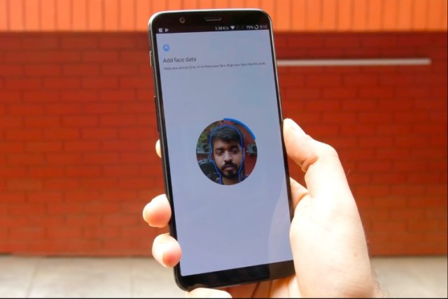 """OnePlus May Face A Patent Infringement Lawsuit For its """"Face Unlock"""" Feature"""