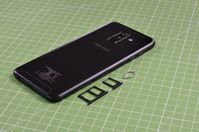 Samsung Galaxy A6 Plus SIM slots