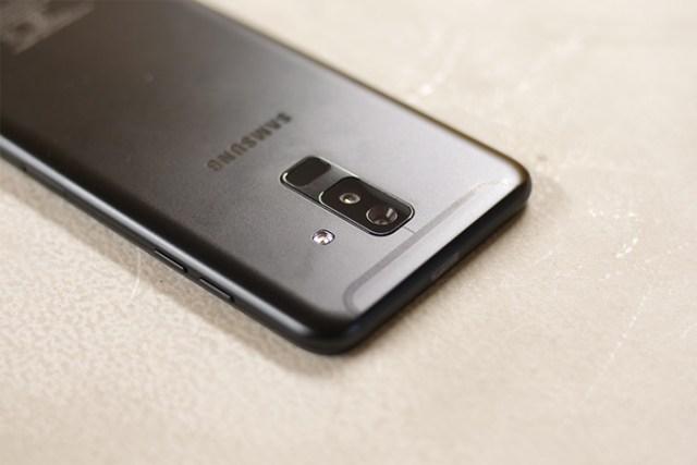 Samsung Galaxy A6 Plus rear camera fingerprint
