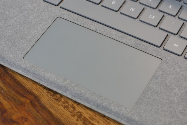 Surface Pro (2017) Keybaord and track pad00002