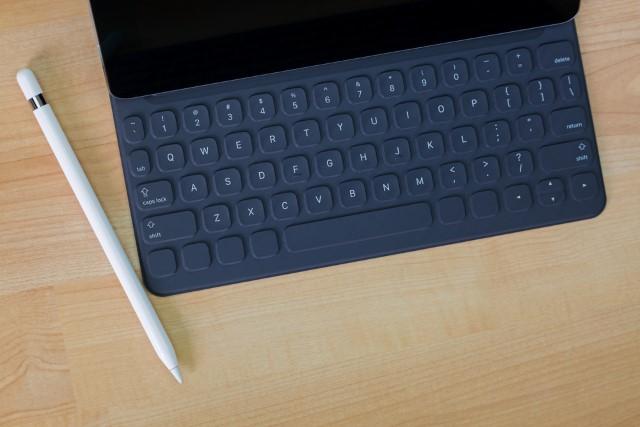 Официальная клавиатура для Apple iPad 10,2-дюймовый (7-го поколения)