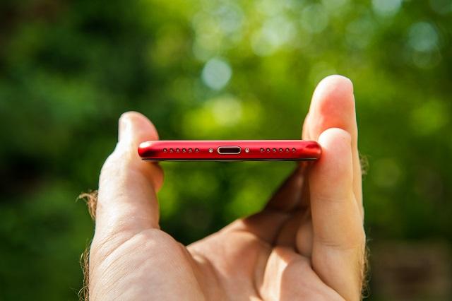 Порт Lightning на iPhone - исправить ошибку «Аксессуар может не поддерживаться»