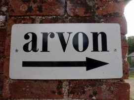 Arvon this way sign