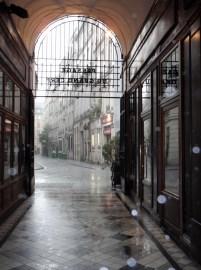 Caught in the rain - Passage du Grand Cerf