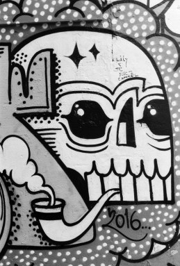 Smoking skull Brick Lane