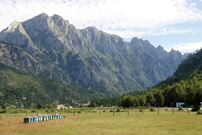 the-accursed-mountains-2