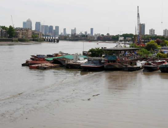 House boats and mudflats Shad Thames