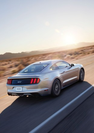 2015-ford-mustang-gt-24-1