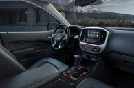 http---image.motortrend.com-f-roadtests-trucks-1401_2015_gmc_canyon_first_look-66866109-2015-GMC-Canyon-interior