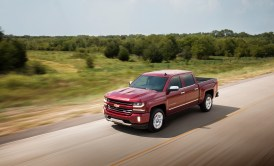 2016-chevrolet-silverado-ltz-z71-in-motion-009-1
