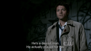 """""""Cậu ta là một người một đạo. Thật ra cậu ta đã cầu nguyện cho việc này."""" - Tranh thủ nói luôn, một thiên thần muốn nhập hồn vào ai đó thì phải được sự cho phép của chủ nhân thân xác ấy."""