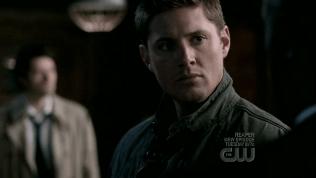 """Mặt Dean kiểu như: """"Cám ơn."""""""