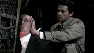 Người hùng của chúng ta xuất hiện và cứu Dean & Sam