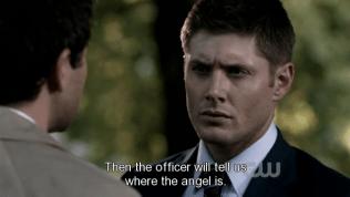 """""""Sau đó, cảnh sát đó sẽ nói với chúng ta thiên thần đó ở đâu."""" Cas nói với giọng rất tin tưởng ấy là một kế hoạch khả thi =))))))))"""