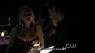 Dean đang tán tỉnh một em ngực to thì nghe tiếng hét của cô em vừa dẫn Cas đi. Lập tức lo lắng chạy đi tìm Cas.