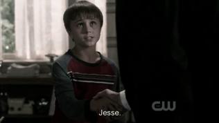 Thằng bé này tớ nghĩ chắc chắn sẽ đóng một vai trò quan trọng trong kết thúc của phim này. Trong phim thì Jesse có thể xem là một trong những nhân vật có sức mạnh khủng khiếp nhất, và thằng bé rất là cool~