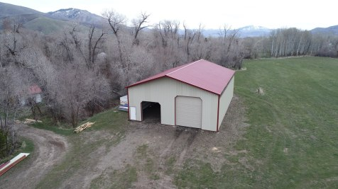 Pole Barn Storage Building - Beehive Buildings - 42'x60'x15'