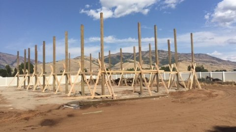 plan-your-build-standing-poles