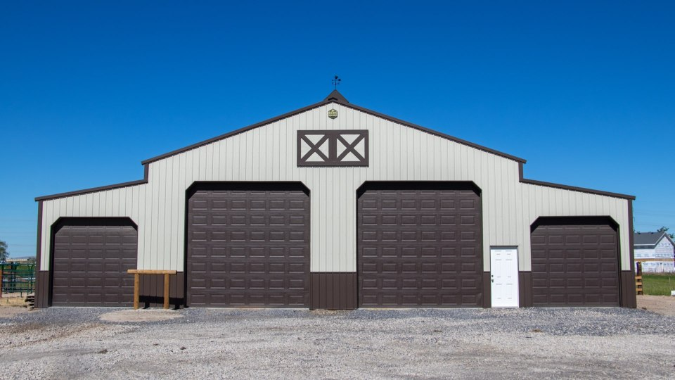 Pole Barn Construction - Finished - Beehive Buildings