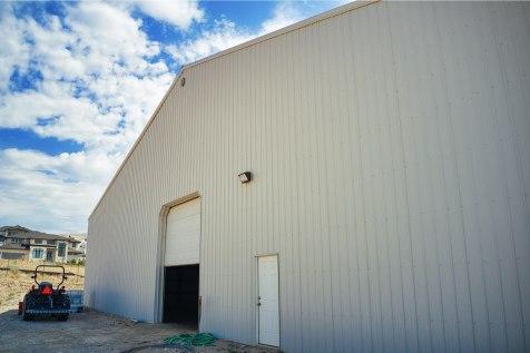 Front, Ellen's Pole Barn Horse Riding Arena - Beehive Buildings - 90x200x16