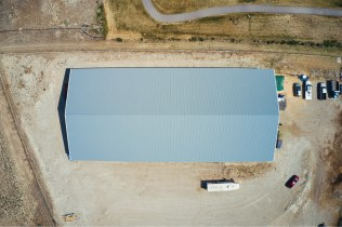 Roof, Ellen's Pole Barn Horse Riding Arena - Beehive Buildings - 90x200x16
