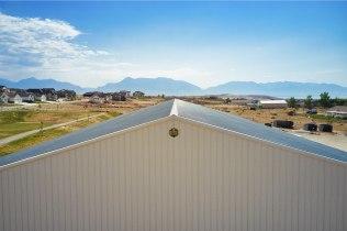 Roof peak, Ellen's Pole Barn Horse Riding Arena - Beehive Buildings - 90x200x16