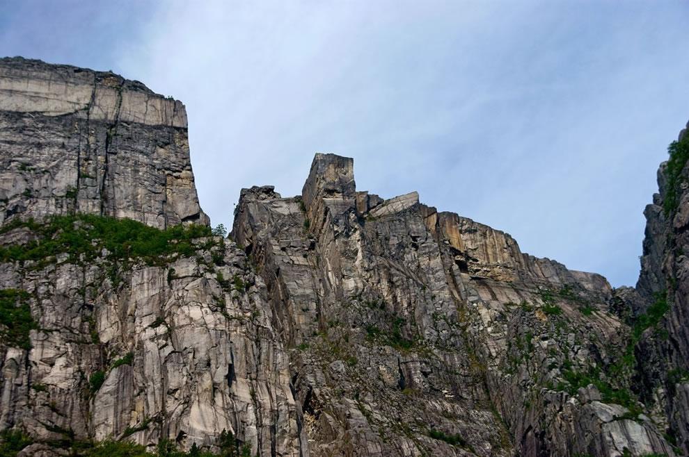 paysages norvégiens vertigineux