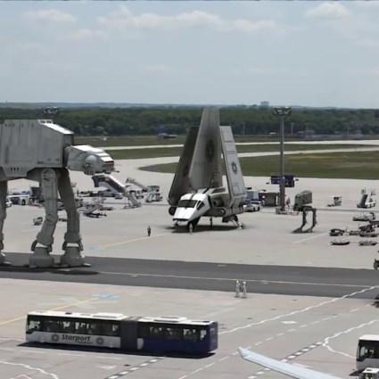 L'Empire envahit l'aéroport de Francfort