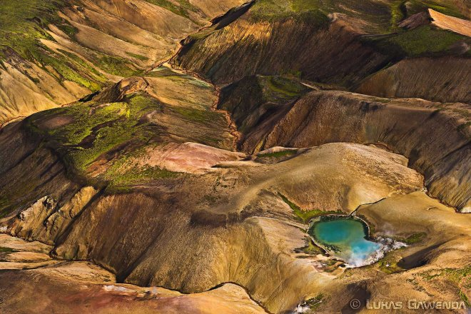 Landmannalaugar aus der Vogelperspektive - Aerial Island - Lukas Gawenda