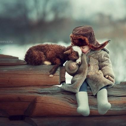 Des portraits d'enfants et animaux par la russe Elena Karneeva