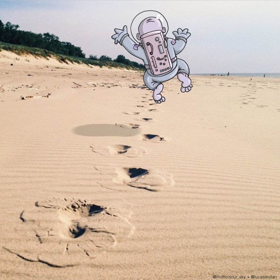 Small step for a man, giant leap for an illustration. - Photos Invasion ©Lucas Levitan