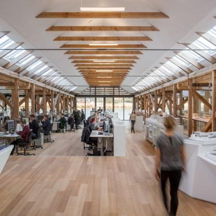 Des hangars à bateaux convertis en cabinet d'architectes