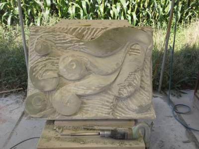 carving the main volumes in stone by direct carving method