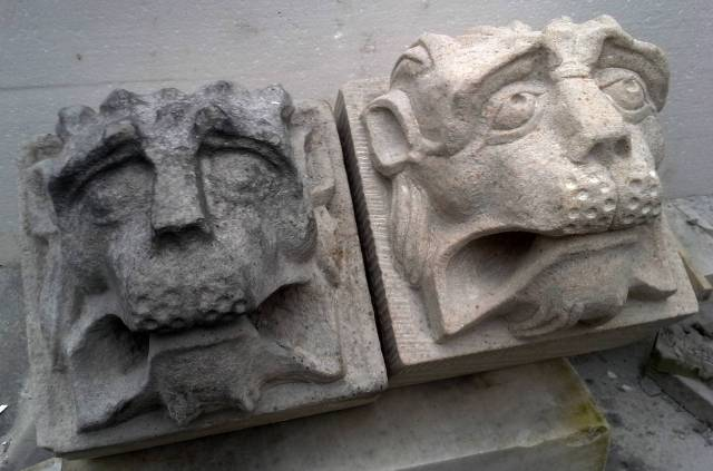 Head lion sandstone Deventer old and new