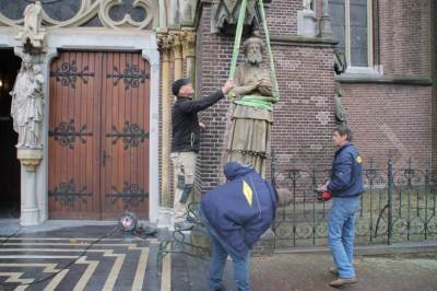 photo: Stadskrant Veghel. Report about Moses and Aaron returning after restoration